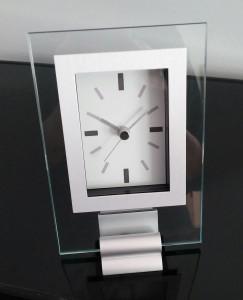 Studio Nova Infinity clock 1